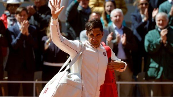 """Roland-Garros: Federer s'est dit """"surpris d'avoir aussi bien joué"""" sur terre"""