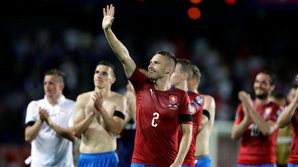 ثنائية شيك تقود التشيك لتعديل تأخرها إلى انتصار 2-1 على بلغاريا