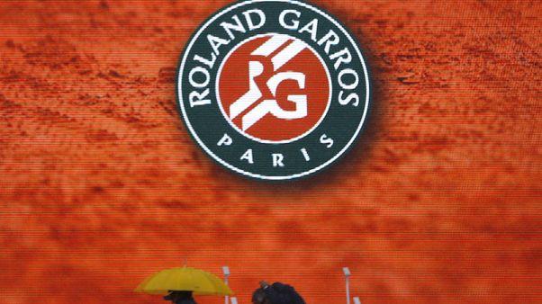 تأجيل نهائي السيدات في باريس بسبب قبل نهائي الرجال والأمطار