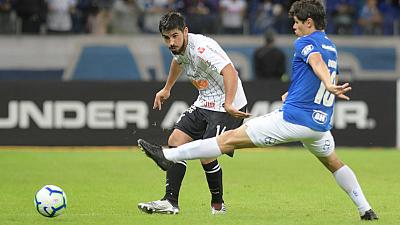 Superb Walter stops Cruzeiro in 0-0 draw with Corinthians