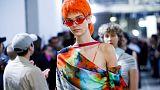 طلبة الكلية الملكية للفنون في لندن يبتكرون أزياء صديقة للبيئة