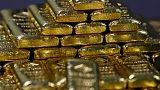 الذهب يهبط من ذروة 14 شهرا مع تراجع الطلب على أصول الملاذ الآمن