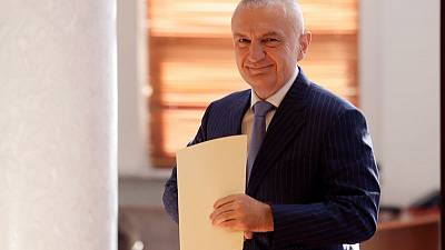 Albanian president cancels vote; PM wants him gone