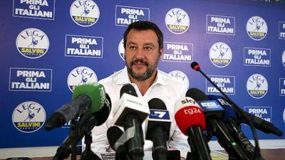 Salvini,sto al governo se aiuto italiani