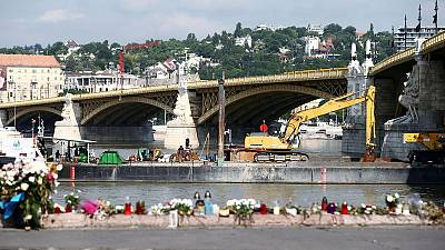 Salvage crews aim to lift boat sunk in Danube with 28 dead