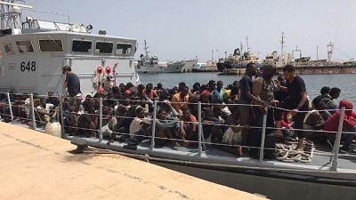 Migranti.Alarm Phone,barca in difficoltà