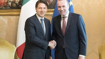 Ue, Conte a Weber: nomine equilibrate