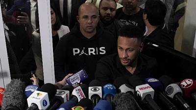 Neymar, accusa stupro Parigi si sgonfia