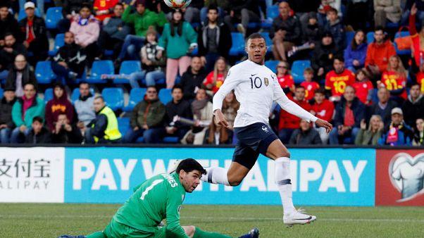 فرنسا تضمد الجراح بالفوز في أندورا وتركيا تخسر أمام أيسلندا