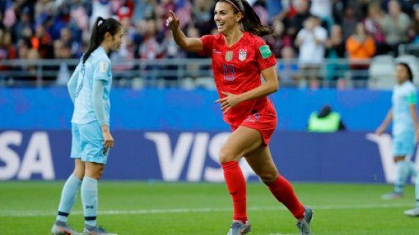 L'attaquante des Etats-Unis Alex Morgan auteure d'un quintuplé lors de la victoire 13-0 sur la Thaïlande à Reims lors du Mondial le 11 juin 2019