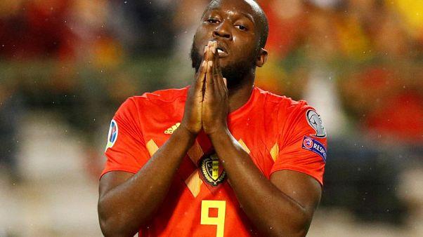 لوكاكو يحظى بالحب في بلجيكا وسط تكهنات حول مستقبله