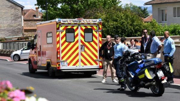 L'ambulance transportant, Chris Froome, quadruple vainqueur du Tour de France, victime d'une chute durant un entraînement  avant la 4e étape du Dauphiné, le 12 juin 2019