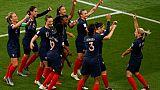Les Françaises fêtent le but d'Eugénie Le Sommer face à la Corée du Sud, lors du Mondial, le 7 juin 2019 au Parc des Princes