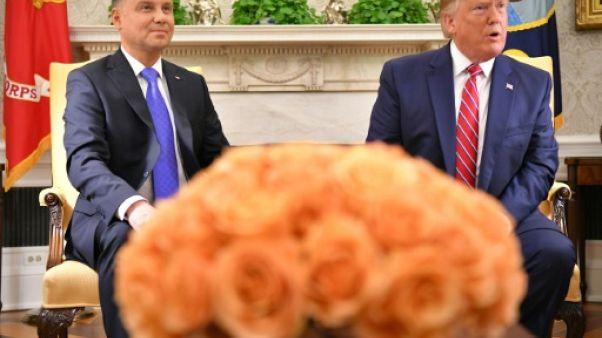 Le président américain Donald Trump reçoit son homologue polonais Andrzej Duda dans le Bureau ovale