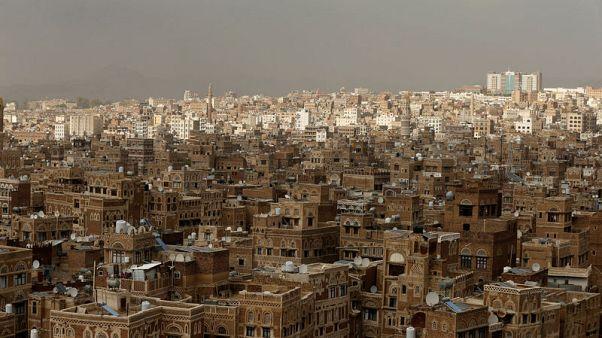 الحوثيون يشنون هجمات جديدة على مطار أبها السعودي