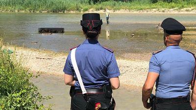 Cadavere trovato in fiume, indagini Cc