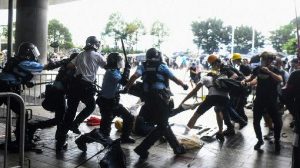 La police de Hong Kong a été accusée de brutalité après les violents affrontements du 12 juin 2019