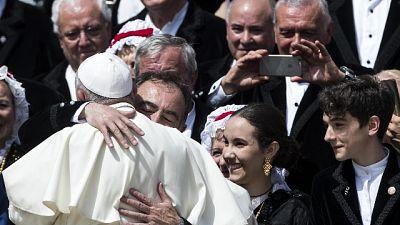 Papa, a poveri non si perdona povertà