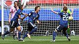 L'attaquant japonaise Mana Iwabuchi exulte après avoir marqué dans la victoire du Japon contre la Norvège (2-1) dans le gruope D de la Coupe du monde, à Rennes le 14 juin 2019