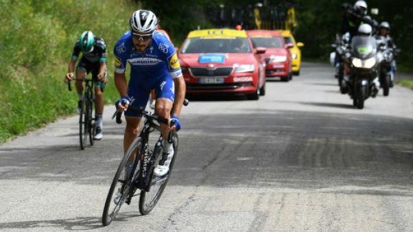 Le coureur de la Quick-Step Julian Alaphilippe en tête d'une échappée sur le Dauphiné, le 14 juin 2019 en direction de Saint-Michel-de-Maurienne