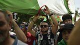 Des Algériens manifestent pour un changement de système le 14 juin à Alger, pour le 17e vendredi consécutif