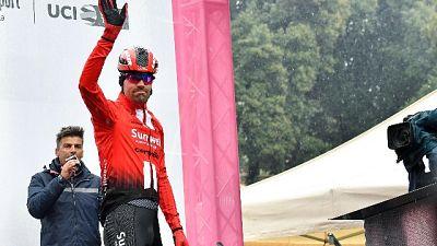 Ciclismo: Dumoulin lascia Giro Delfinato