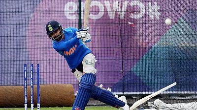 Kohli plays down Amir duel and hype around Pakistan contest
