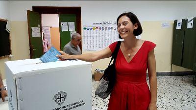 Ghirra (c.sinistra) vota a Cagliari
