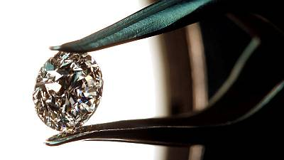 Exclusive: Banks face new challenges in Italian diamond scandal