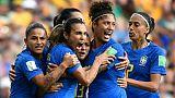 L'attaquante du Brésil, Marta (2e g), buteuse lors du match de phase de groupes du Mondial face à l'Australie, à Montpellier, le 13 juin 2019