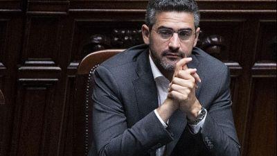 Autonomia: Fraccaro, nomine arbitrarie