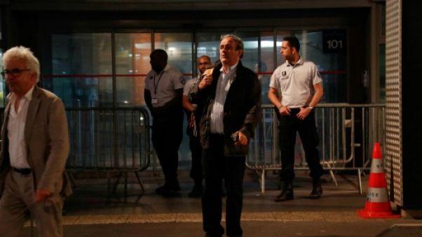 L'ex-patron de l'UEFA Michel Platini (d), à sa sortie de garde à vue à Nanterre, le 19 juin 2019