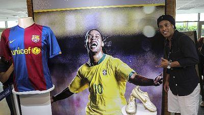 Brasile, Bolsonaro riceve Ronaldinho