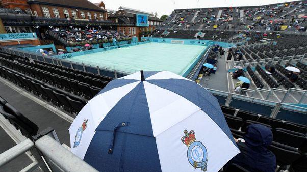 الأمطار تؤجل مباريات اليوم الثاني لبطولة كوينز للتنس