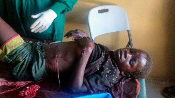 Une victime reçoit des soins après un triple attentat-suicide à Konduga, à 38 km de Maiduguri, au Nigeria, le 17 juin 2019