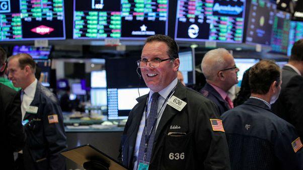 الأسهم الأمريكية ترتفع بفضل آمال محادثات التجارة وخفض الفائدة
