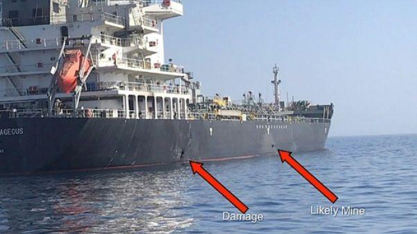Photo distribuée par l'armée américaine montrant les dégâts sur le tanker japonais Kokuka Courageous, le 13 juin 2019 en mer d'Oman