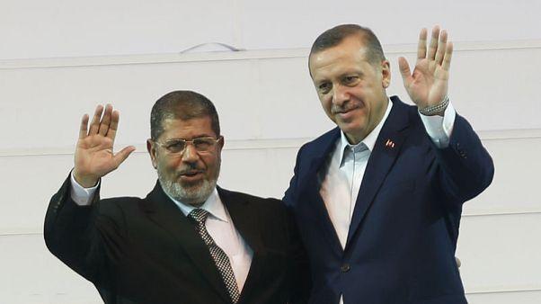 أردوغان يتعهد بالسعي لمحاكمة النظام المصري أمام محاكم دولية بشأن وفاة مرسي