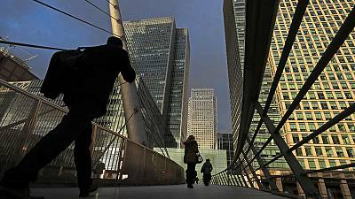 UK employers stick to 2.5% pay deals - XpertHR