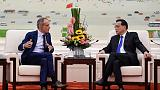 China's premier tells foreign CEOs China will commit to reform, opening up
