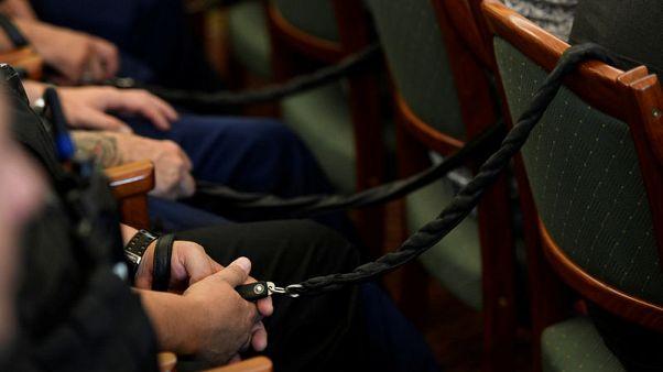 حكم بالسجن مدى الحياة على 4 في قضية مقتل 71 مهاجرا في شاحنة مجرية