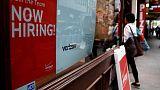 طلبات إعانة البطالة الأمريكية تتراجع أكثر من المتوقع
