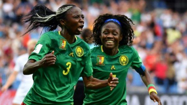 La Camerounaise Ajara Nchout (g) offre la victoire aux Lionnes indomptables contre la Nouvelle-Zélande au Mondial féminin, le 20 juin 2019 à Montpellier