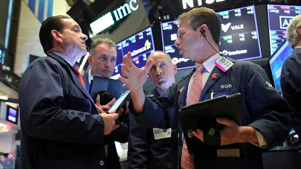 المؤشر ستاندرد آند بورز500 في بورصة وول ستريت يغلق عند مستوى قياسي مرتفع