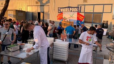 Whirlpool, pizze di solidarietà a Napoli