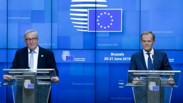 Le président de la Commission européenne Jean-Claude Juncker et le président du Conseil Donald Tusk donnent une conférence de presse à Bruxelles, le 21 juin 2019