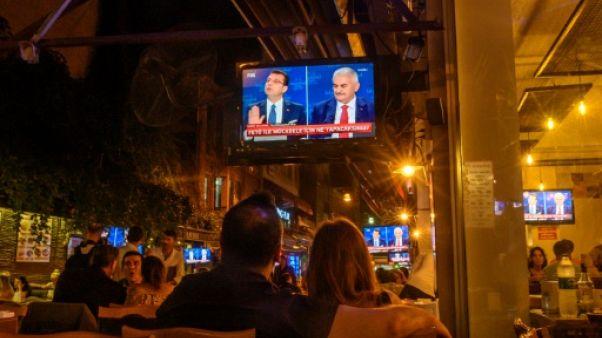 Istanbul retourne aux urnes, scrutin casse-tête pour Erdogan