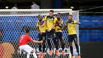 Sanchez strikes again to take Chile into Copa quarters