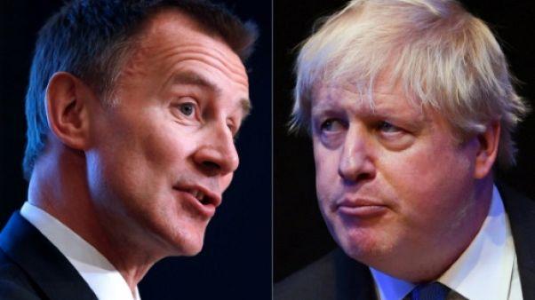 Jeremy Hunt (à gauche) et Boris Johnson