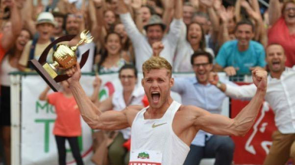 """Le Français Kevin Mayer exulte après avoir battu le record du monde du décathlon au """"Decastar"""" à Talence, le 16 septembre 2018"""